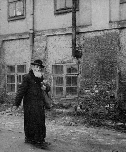 13_Vishniac_old_man_GALLERY_2_0