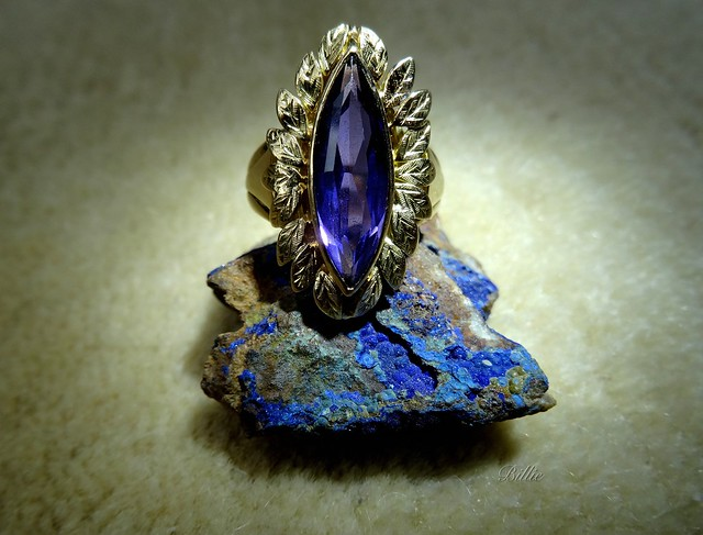 Blue on blue.......Gemstones are the soul of jewelry !!