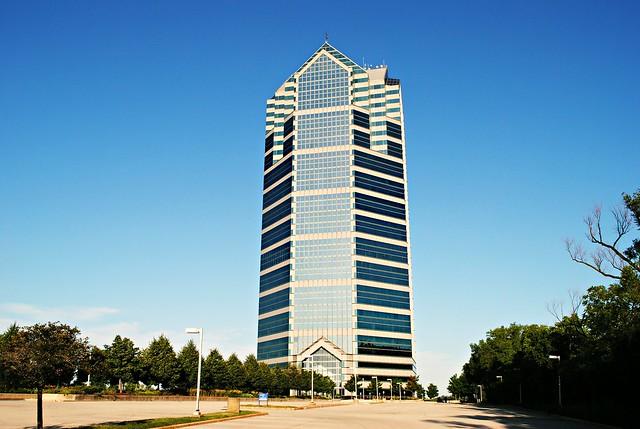 Oakbrook Terrace Tower - Oakbrook, Illinois