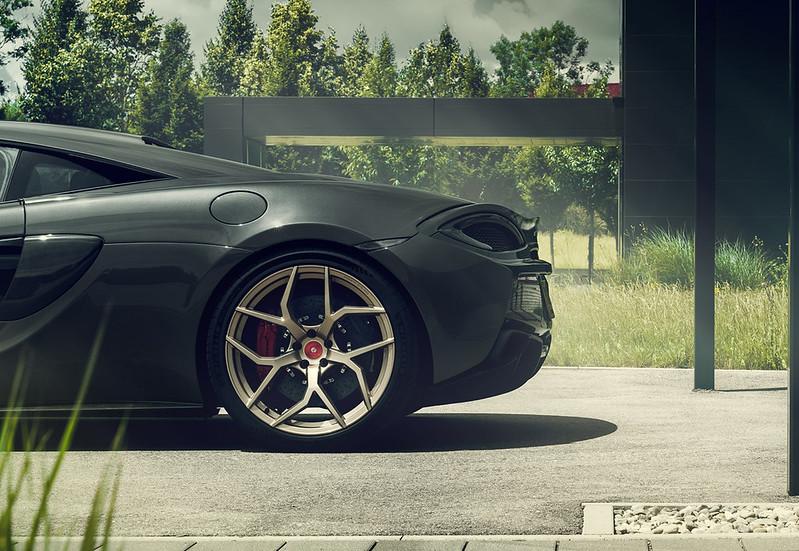 Pogea-Racing-McLaren-666S-5