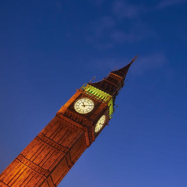London 10:09 PM