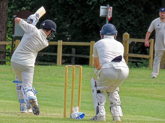 Eastons CC v Epping Foresters CC at Little Easton, Essex, England 084