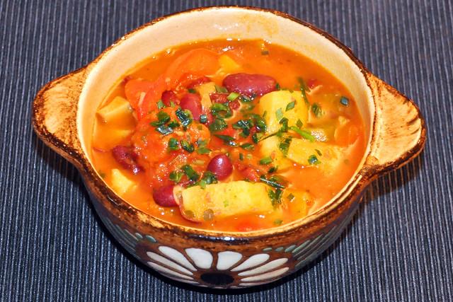 Juli 2020 ... Pikante serbische Bohnensuppe, vegetarisch und vegan ... Brigitte Stolle