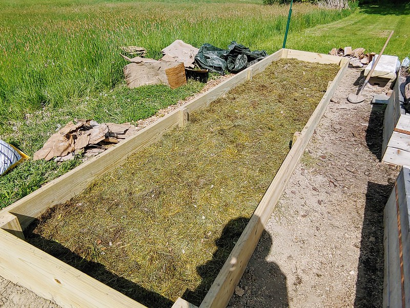 """L9: grass clippings...repeat more layers (as needed) until only 6"""" of bed remain"""