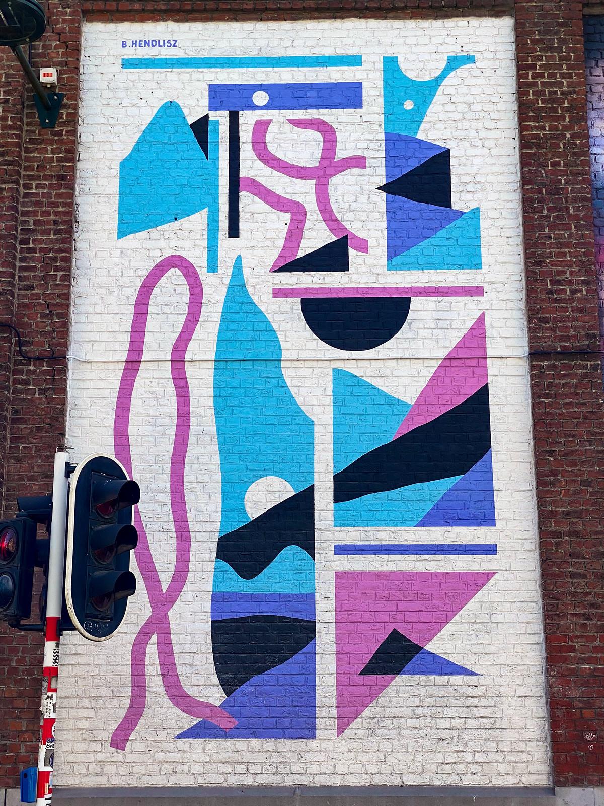 Street art mural by by Hendlisz