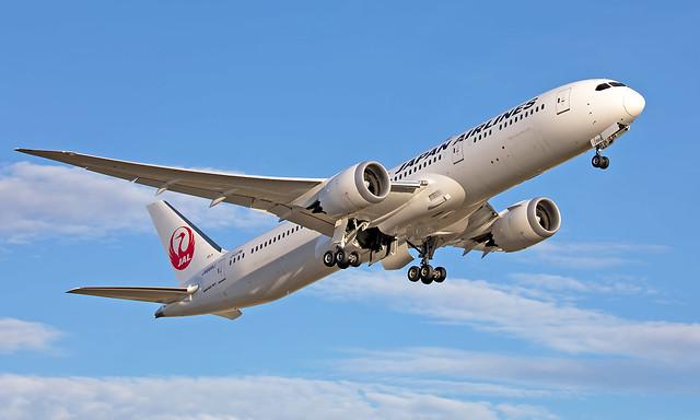 JA868J - Boeing 787-9 Dreamliner - LHR