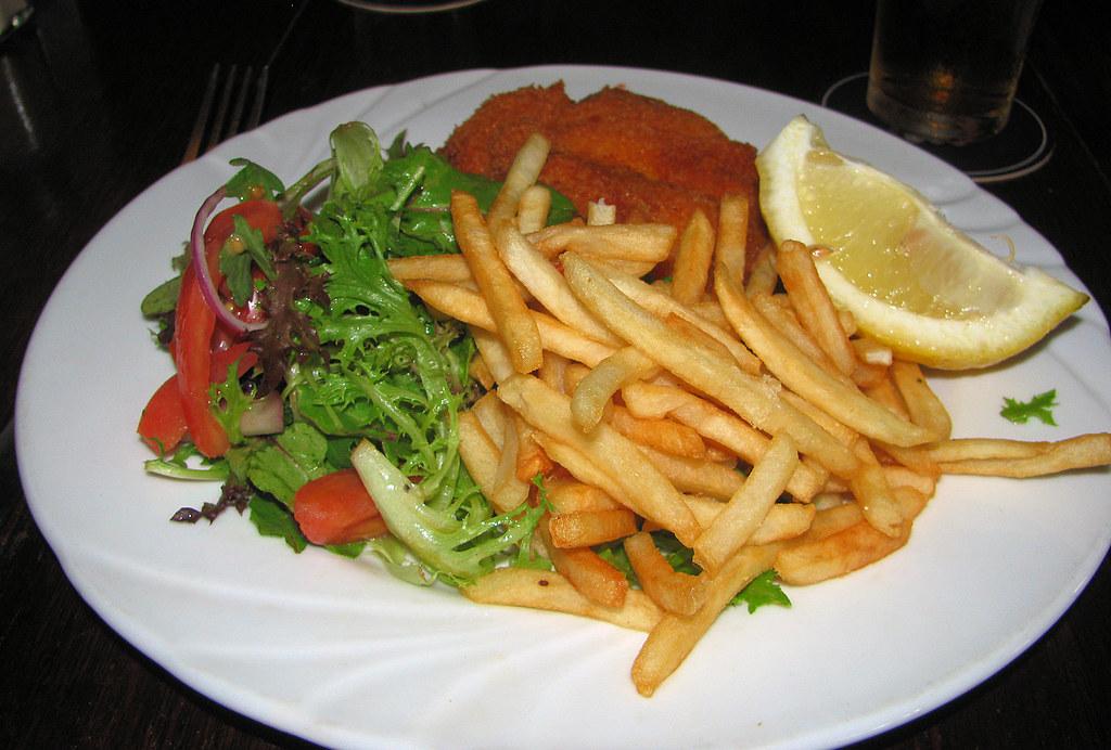 Chicken Snitzel, Wentys Leagues Club, Wentworthville, Sydney, NSW.