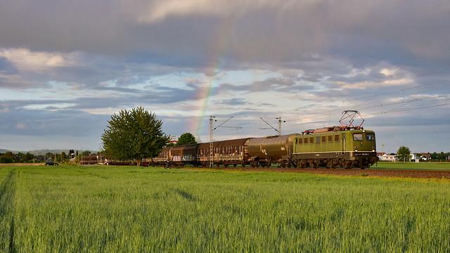 Henkelzug mit Regenbogen