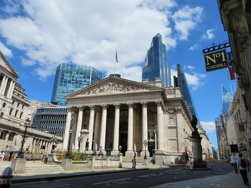 Bank junction this past Friday. It's all very quiet but still all very there. | by avail
