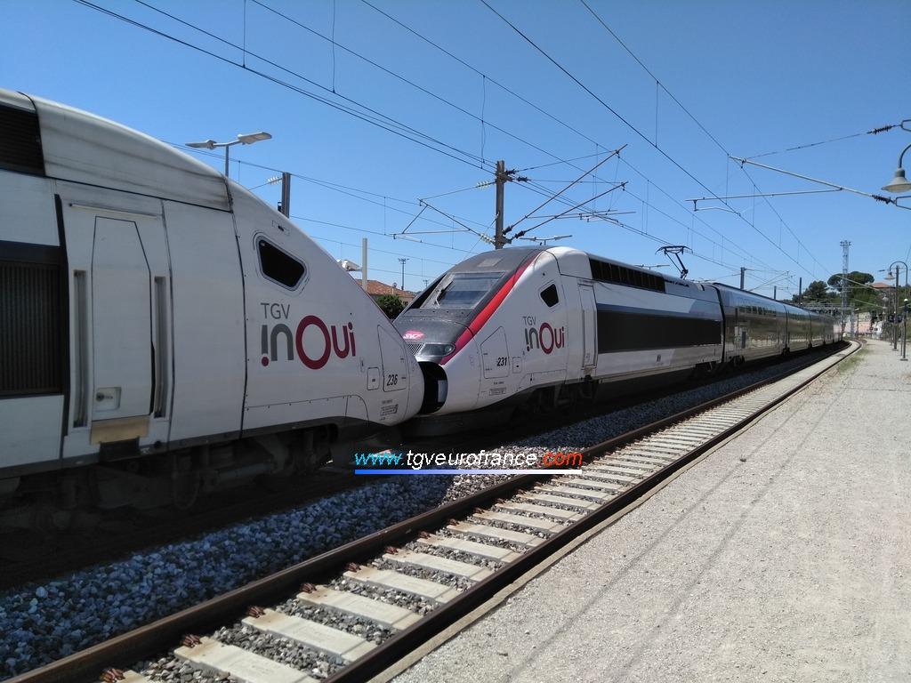 Une UM de TGV Duplex (rames 231 et 236 SNCF) en gare d'Aubagne le 16 juillet 2020