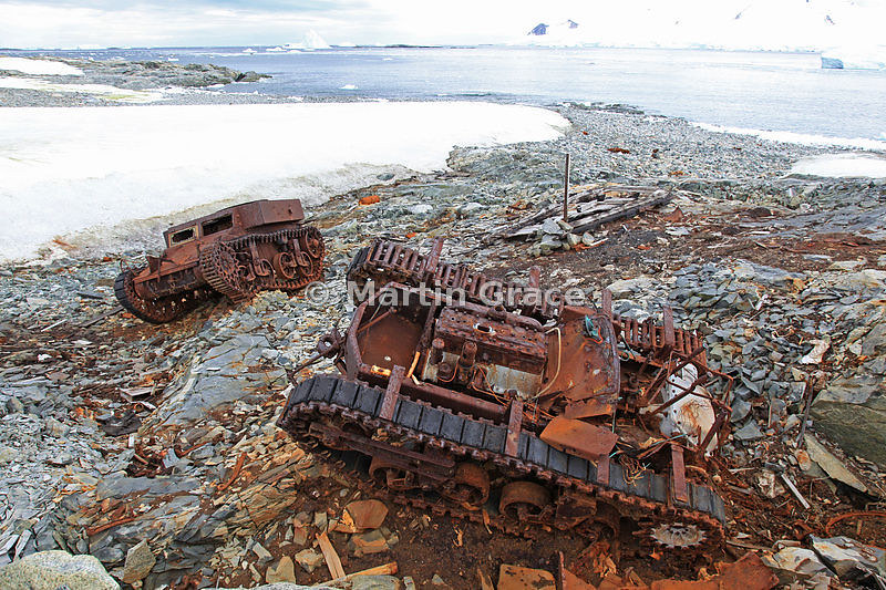 M2A2-light-tank-T3E4-carrier-byrd-expedition-abandoned-mmn-1