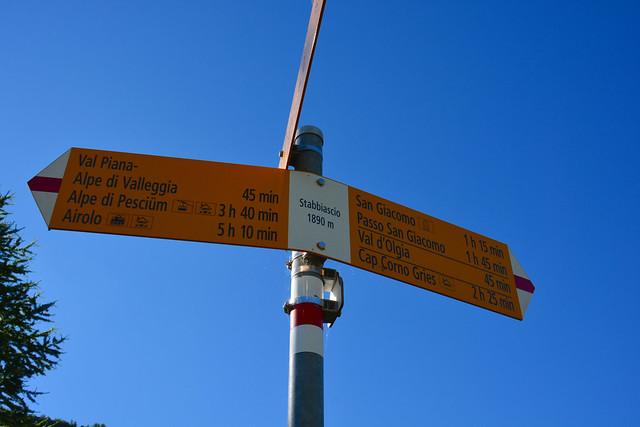 All'Acqua 1612m - San Giacomo 2254m - Passo Grandinascia 2698m -  Canale del Becco 2690m - Capanna Cristallina 2566m - Passo Gararesc 2700m - Ossasco 1313m