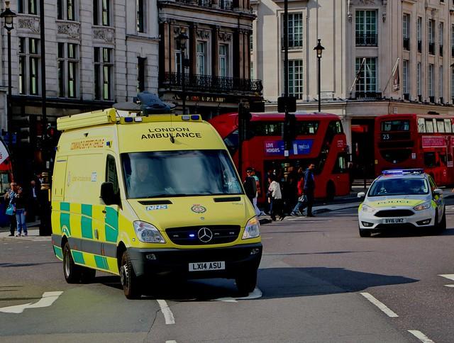 London Ambulance Service NHS Trust - LX14ASU + Metropolitan Police Service BV16UWZ