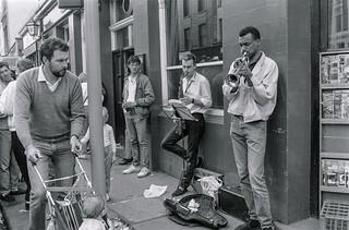Street Musicians, Portobello Rd, Notting Hill, Kensington & Chelsea, 1987 87-4c-13-positive_2400