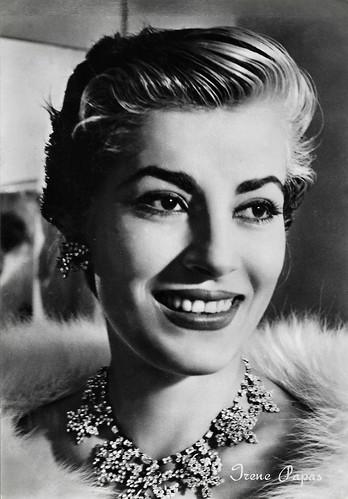 Irene Papas in Le infedeli (1953)