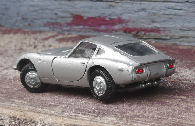 Kirk for Tekno Toyota 2000GT shows off its tight turning circle