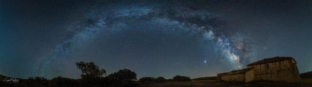 Arco Galáctico en Pétrola