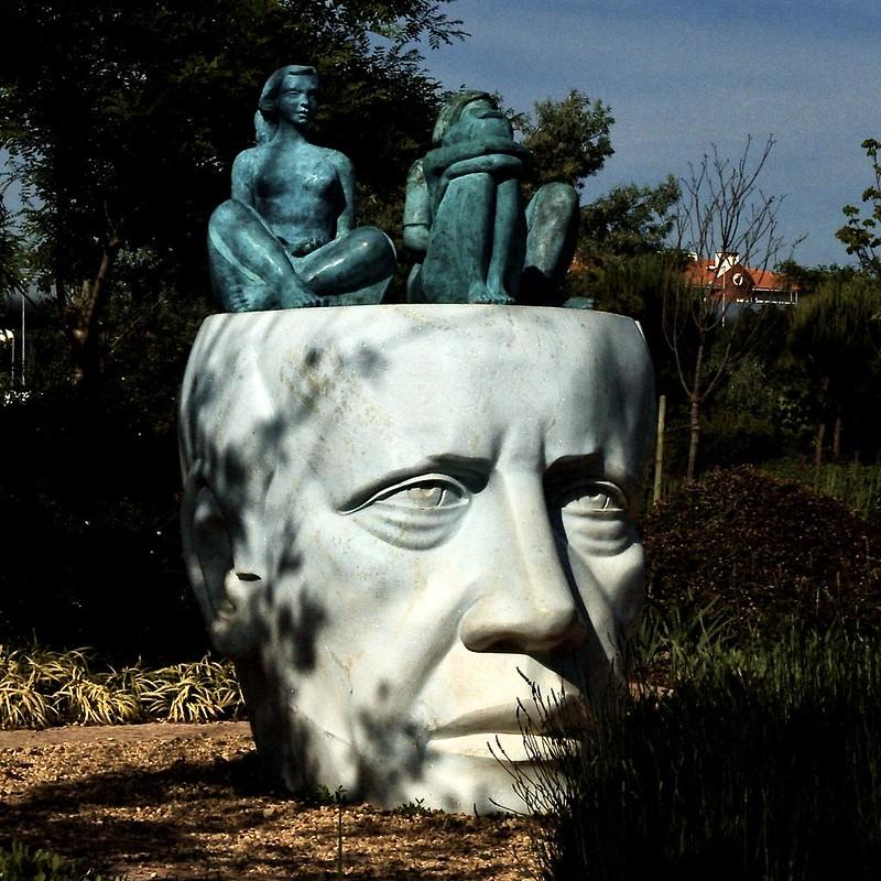David Mourão-Ferreira [Poet] (1927-1996) - Francisco Simões [Sculptor] (1946)