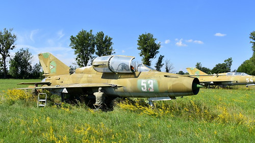 aviation aircraft hungary wr wrecks relics pápa mig21 su22 storage area stored mikoyangurevich mig21um cn 516999204 air force serial 53