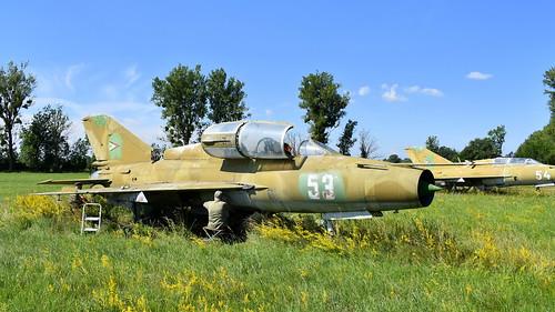 aviation aircraft hungary wr wrecks relics pápa mig21 su22 storage area stored mikoyangurevich mig21um cn 516999204 air force serial 53