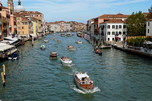 Canales en Venecia, Italia.