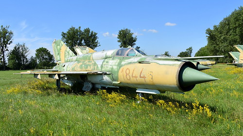 aviation aircraft hungary wr wrecks relics pápa mig21 su22 storage area stored mikoyangurevich mig21bissau cn 75061844 air force serial 1844