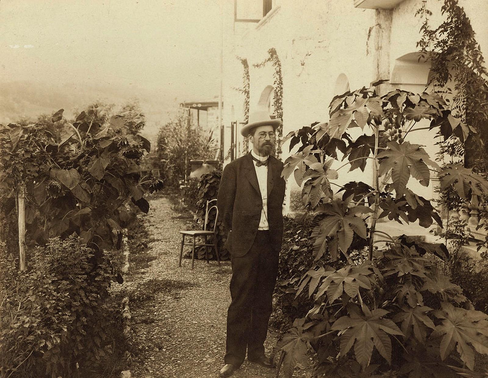 1900. Антон Чехов, Ялта