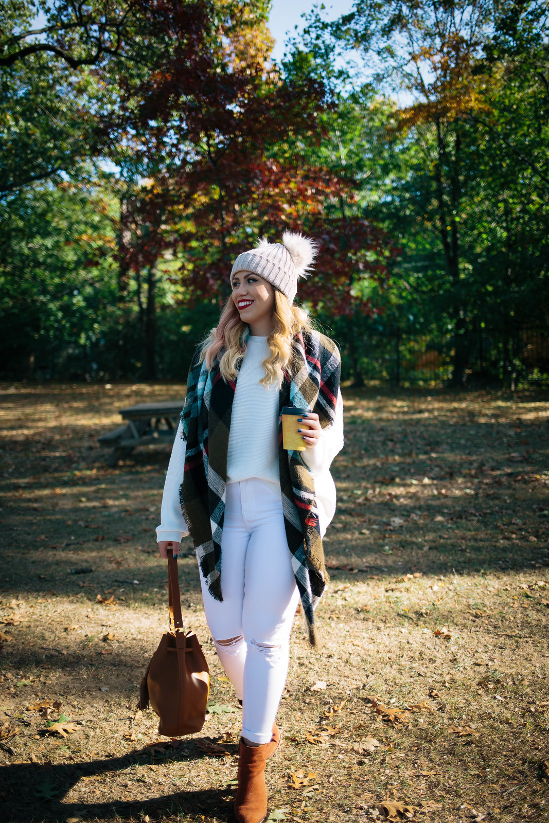 Winter White Outfit | Beige Beanie | Green Plaid Blanket Scarf | White Jeans | Fall Foliage in NY