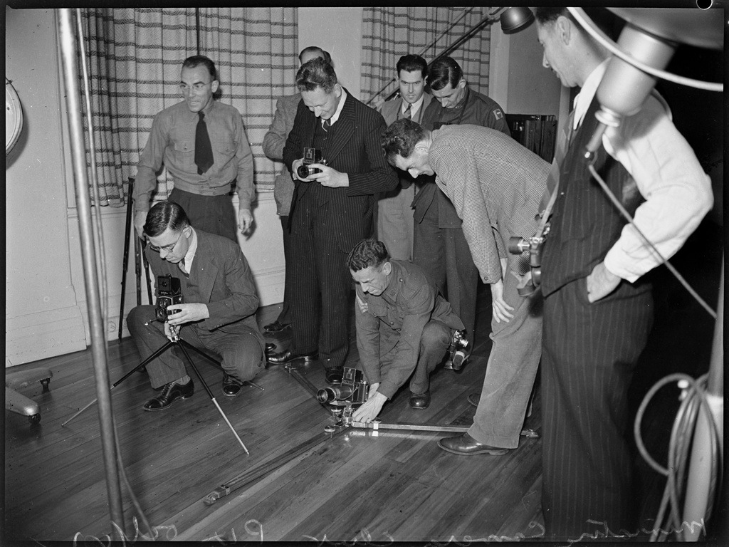 Miniature Camera Club, 30 October 1942 _ photographed by Ivan Ives