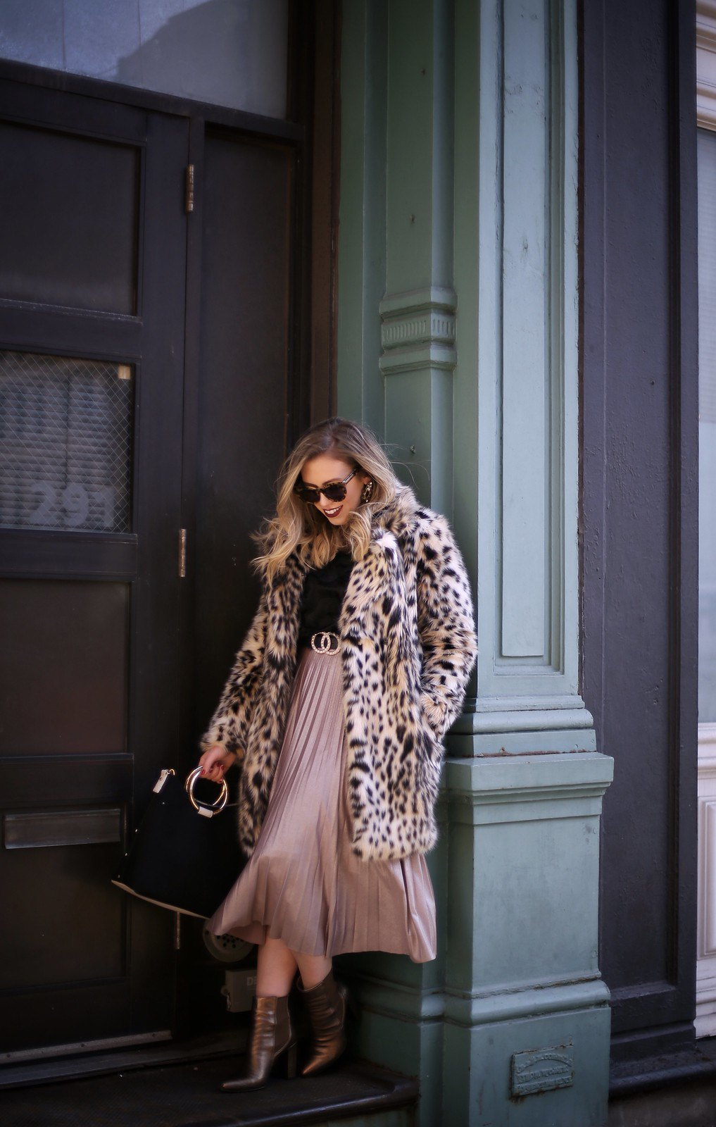 NYFW Winter 2019 Outfit | Faux Fur Leopard Coat | Pink Metallic Pleated Midi Skirt