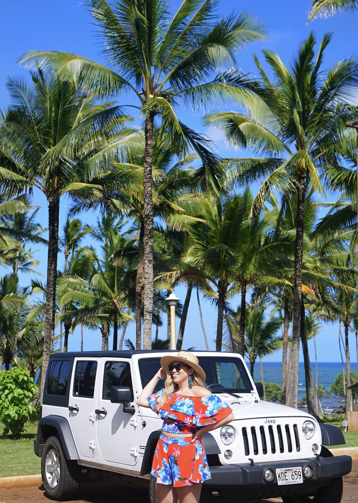 Kauai Hawaii Outfit | Floral Blue Floral Shorts Set | White Jeep