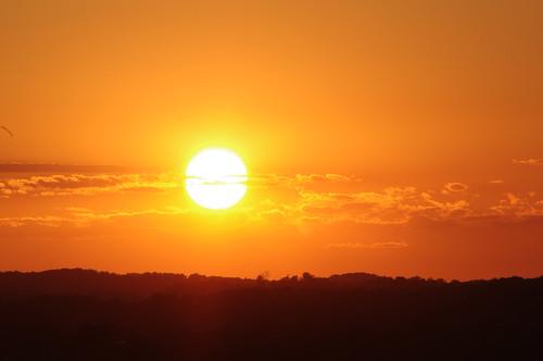 kitchener waterloo region mclennan park hill sunset sun set cloud sky orange ontario canada city takumar pentax cans2s telephoto 300mm 300 kx summer 2020 july manfrotto warm goldenhour golden hour