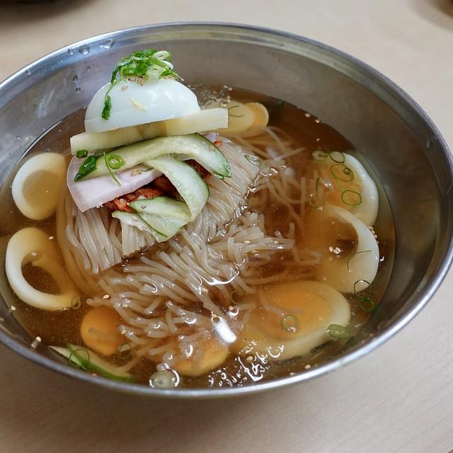 冷麺  Cold noodle ¥1000