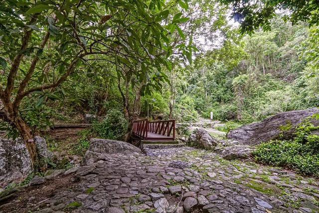 Huaykeaw Waterfall-12
