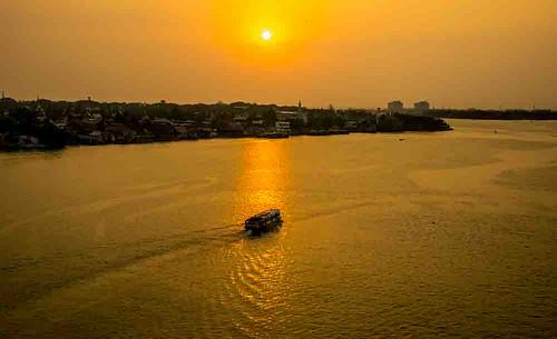 india nikon5300 asia cochin columbus cruise deck kochin outdoor ship tourist worldcruise 201904101940340 sunset river vembanadlake