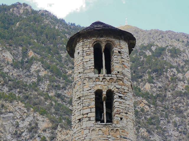 Campanario de la iglesia de Santa Coloma (Andorra)