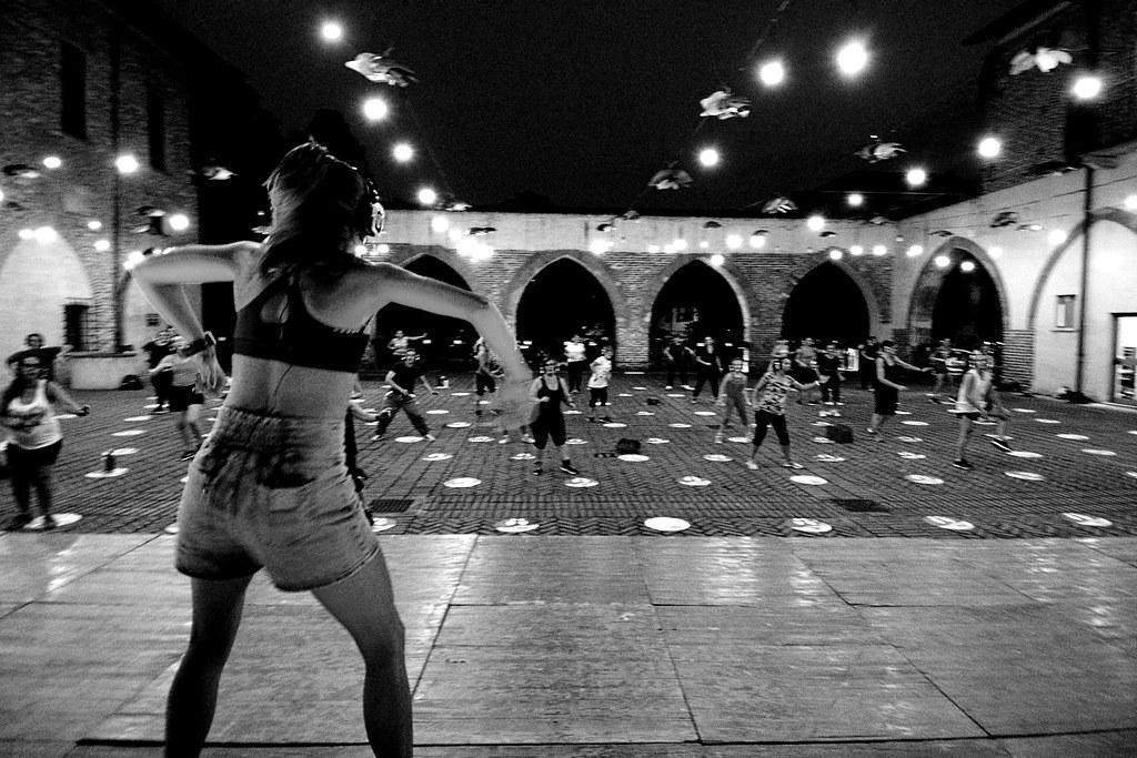 RESTATE IN CITTA' - SERATA SILENT ZUMBA  14 LUGLIO 2020 Foto A: Artusa