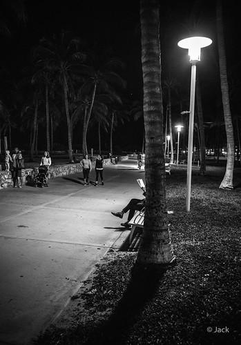 Miami mood - lecteur nocturne