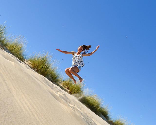 Saltando en las dunas de Martinhal