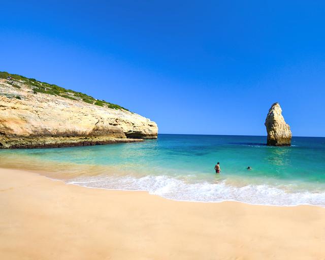 Praia do Carvalho, en el Algarve de Portugal