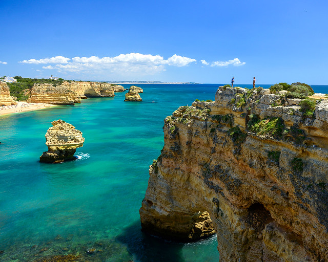 Acantilados del Algarve en Marinha