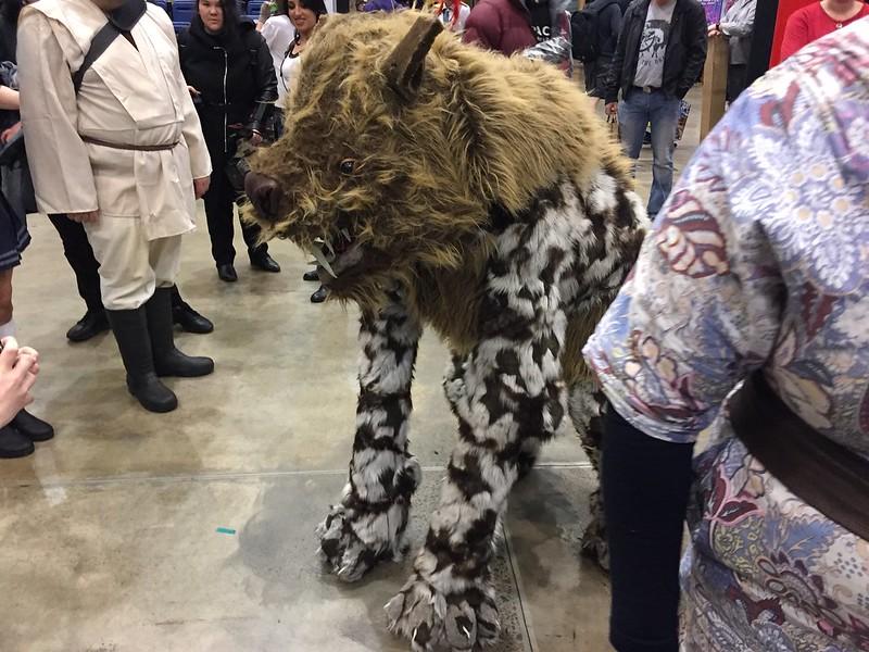 Wolf cosplayer, Armageddon Expo