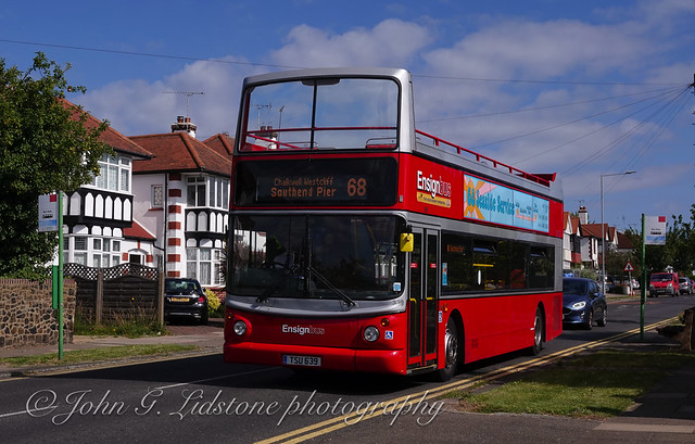 50 year route 68 contrast 1970/2020 - 2 - Ensignbus Dennis Trident / Alexander ALX400 339, TSU 639 (T678 KPU) in July 2020
