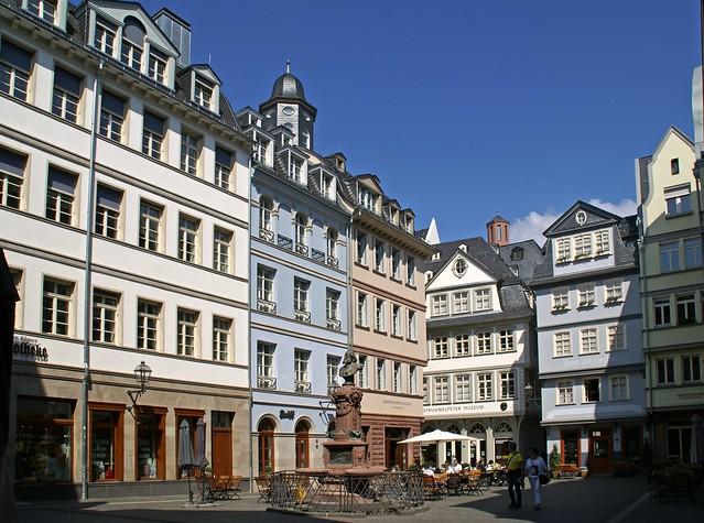 Frankfurt, Hühnermarkt und Friedrich-Stoltze-Brunnen