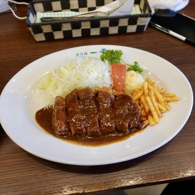 ヘレビーフカツ  Beef cutlet ¥2200