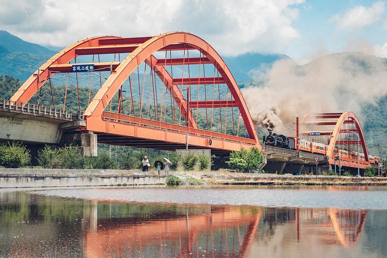 疊圖一下 蒸汽火車 客城鐵橋