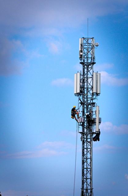 Prawo komunikacji elektronicznej