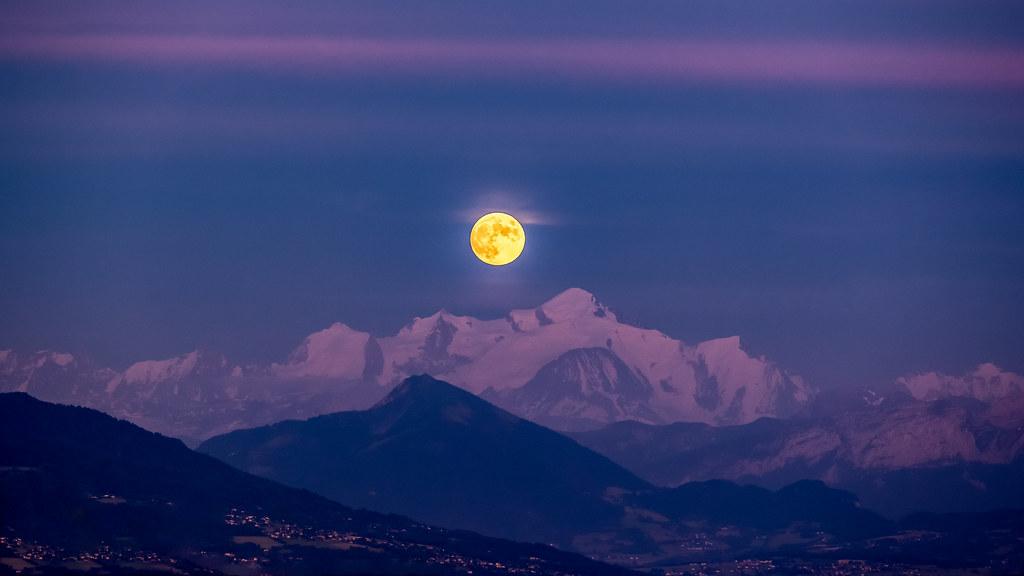 🎶🎶🎵 « Le soleil a rendez-vous avec la lune » 🎵🎶🎶.