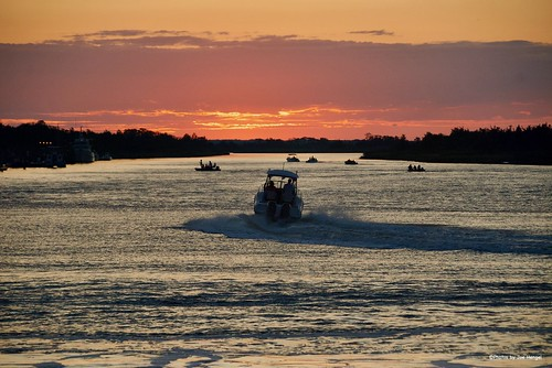 dontwannamissthisone lsd lowerslowerdelaware lewes lewesde delaware de sussexcounty sunset evening eveninglight eveningskies boat boats outdoor outside sky skies clouds cloudy rooseveltinlet inlet broadkillriver waves water watchingthesunset onlyindelaware visitdelaware view viewpoint summer summertime