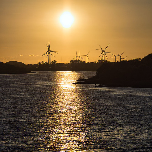 sonnenuntergang sunset elbe fluss river windrad windräder wasser geesthacht elbbrücke